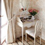 Интерьер спальни в стиле прованс в загородном доме. Фото проекта