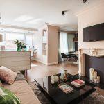 Дизайн гостиной спальни 20 кв. м. зонированной комодом