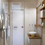Дизайн ванной 3 кв. метра с плиткой печворк на стенах