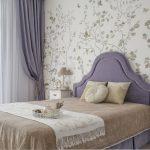 Спальня в классическом стиле в светлых тонах. Фото проекта