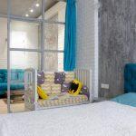 Спальня 12 кв. м. с белой перегородкой