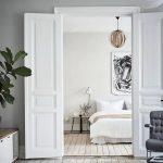 Скандинавская спальня с элементами классического стиля