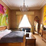 Желтые шторы в спальне